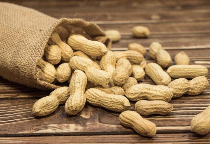 Hướng dẫn cách rang đậu phộng muối thơm ngon